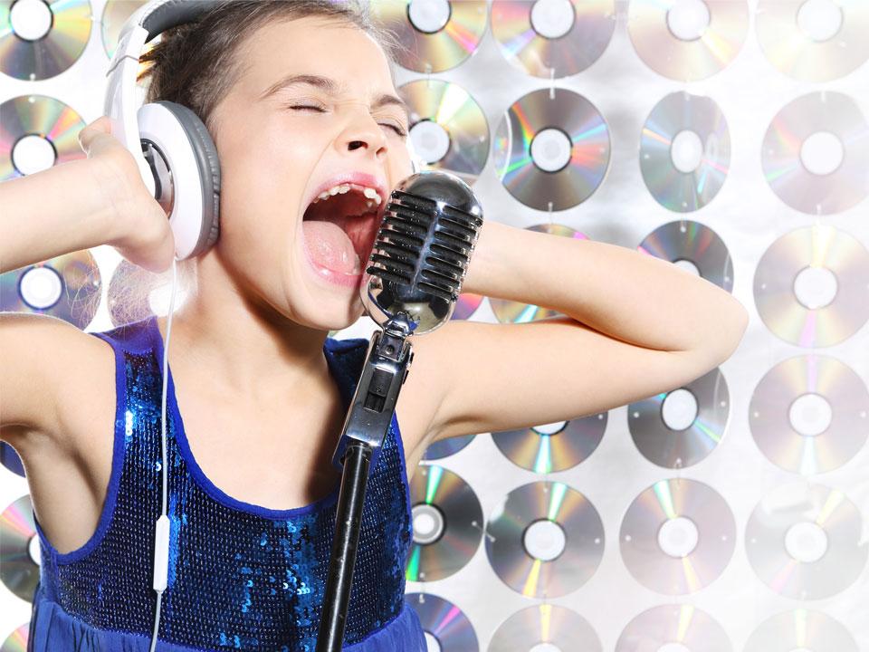 Girl singing groups video — pic 8