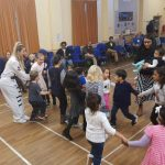 Children entertainer party
